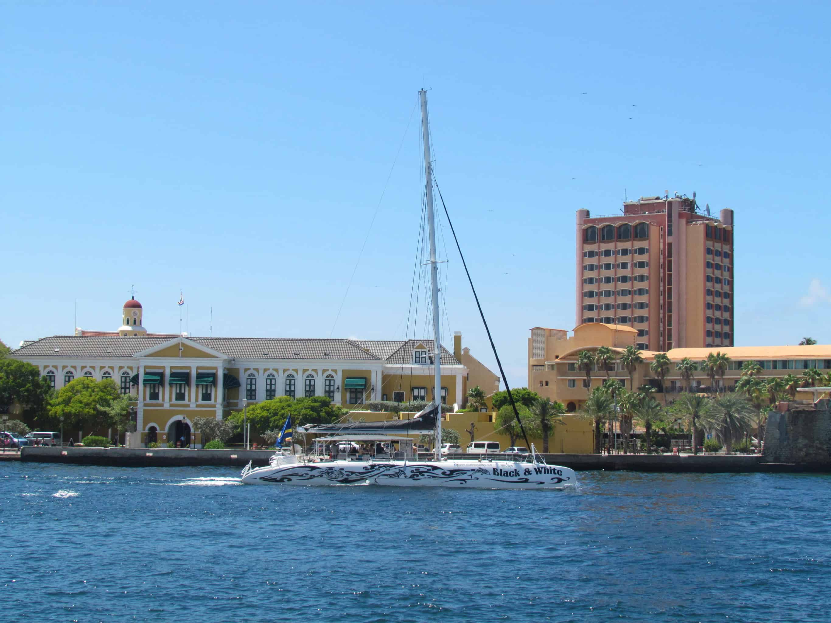 BlueFinn West Coast Snorkeling Sailing Punda Curacao