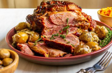 traditional-holiday-food-curacao-roasted-ham