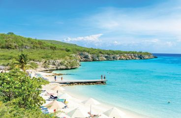 Curacao Beach Hopping - Irie Tours 1