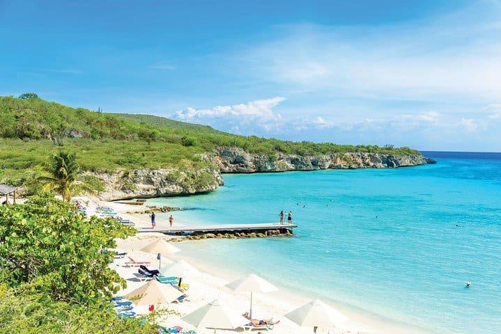 Curacao Beach Hopping - Irie Tours 1