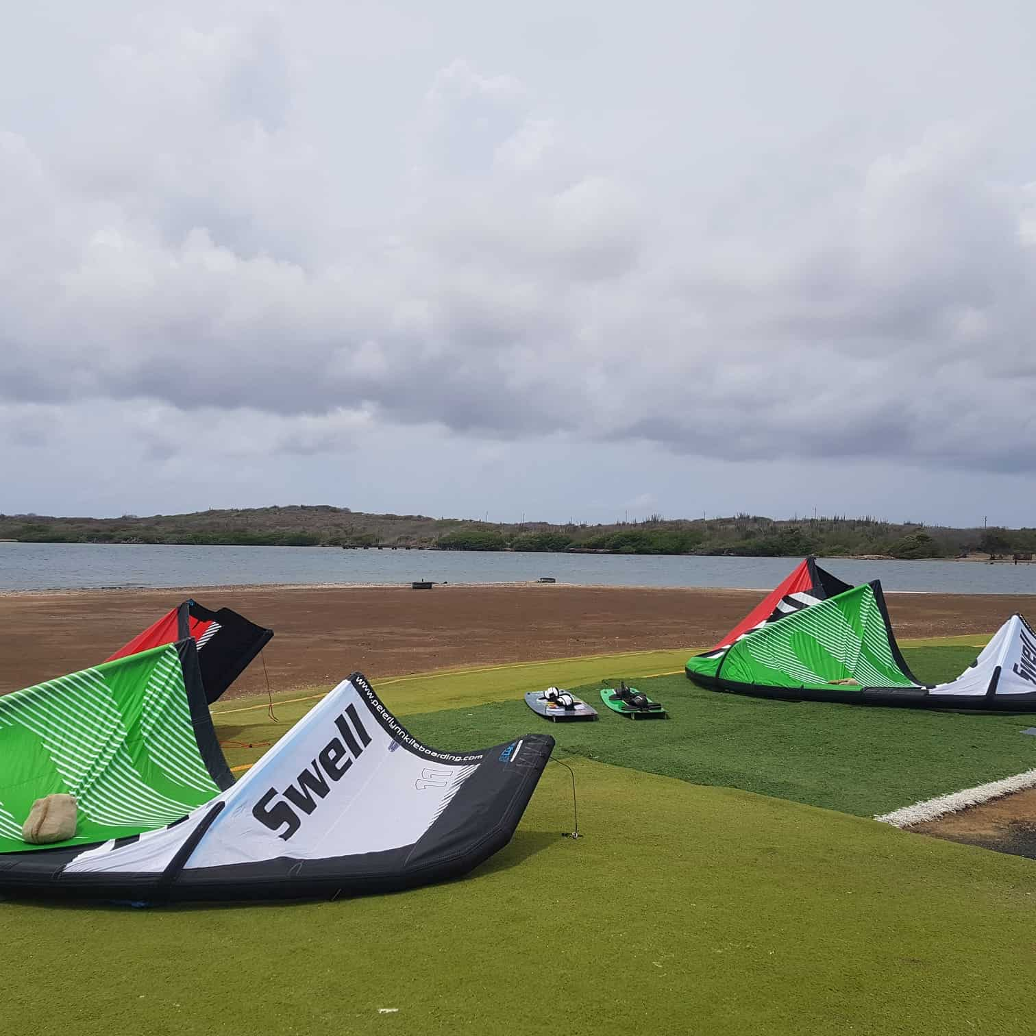 Kiteboarding in Curacao at Sint Joris 6