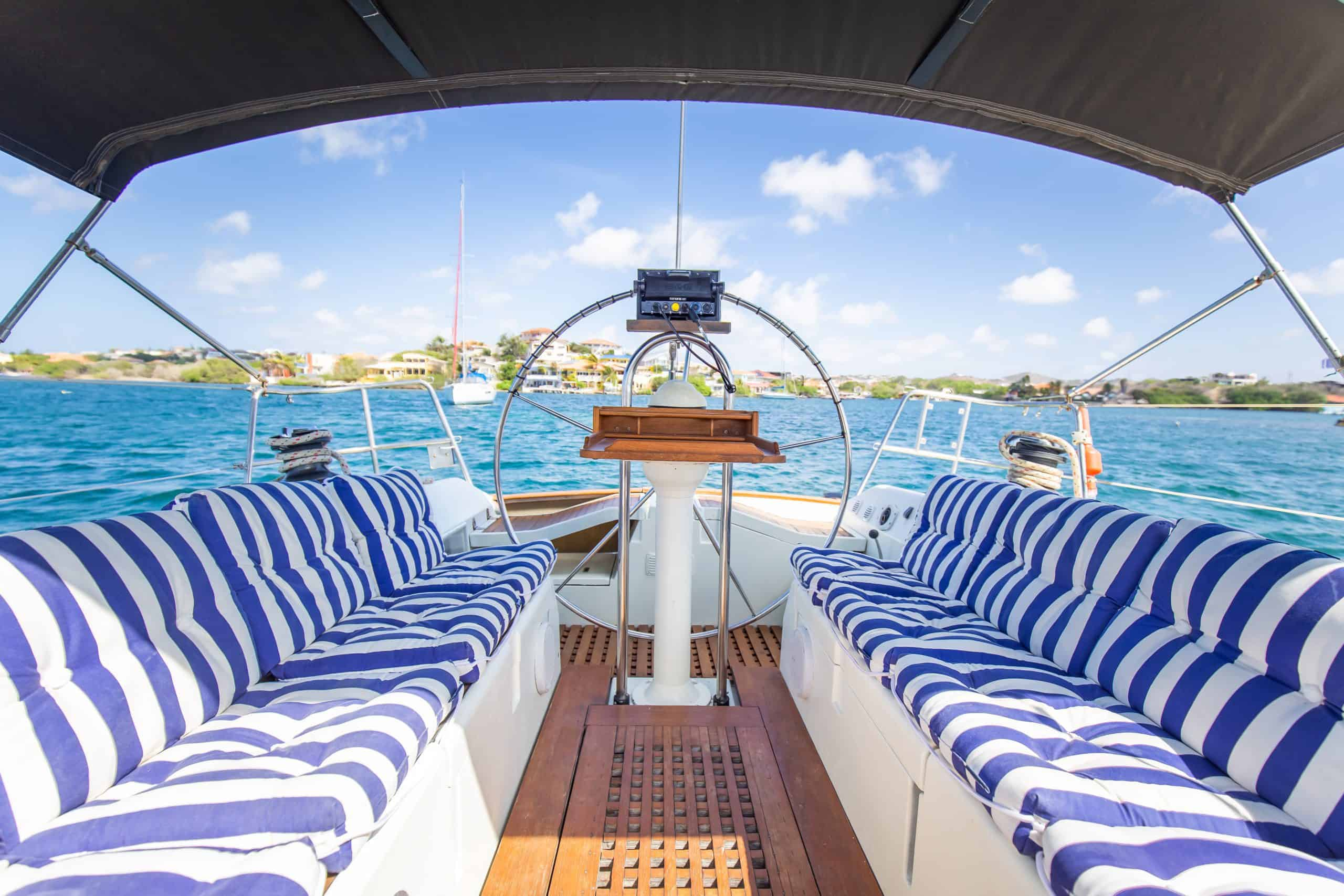 Maxie Sailing Curacao private charter curacao front to back Galaxie